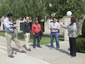 Miembros del PP Local junto a la Directora del Centro