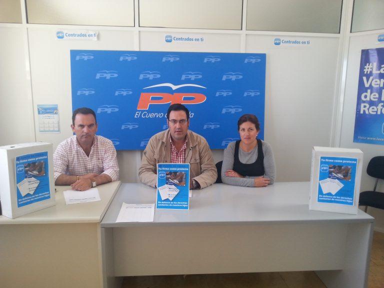 Los Populares de El Cuervo comienzan una campaña de recogida de firmas, en la que se pide la jornada completa del único pediatra del Centro de Salud