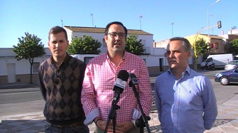 El PP denuncia que El Cuervo sólo cuenta con «un autobús al día» que conecte el municipio con Sevilla capital